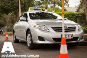 driving lessons adelaide on road courtesy