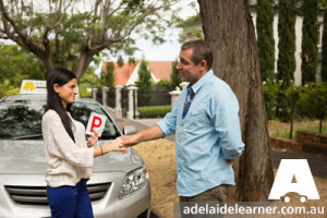 how to choose the right driving school